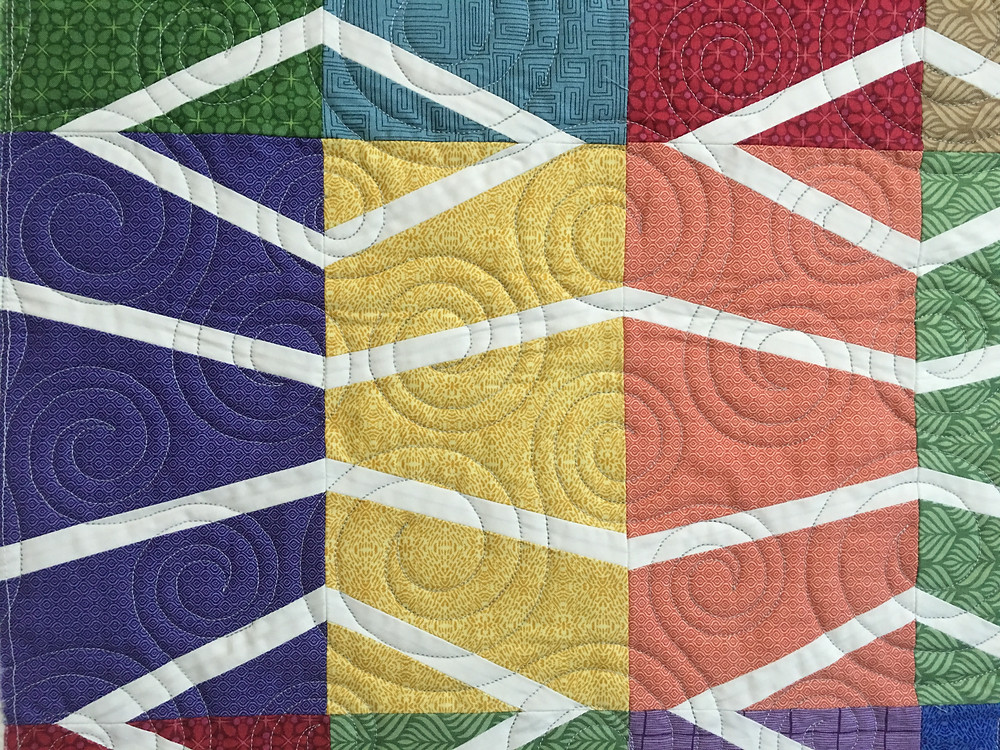 Circles quilting pattern on Diagonal Bliss by Kathy Ryan