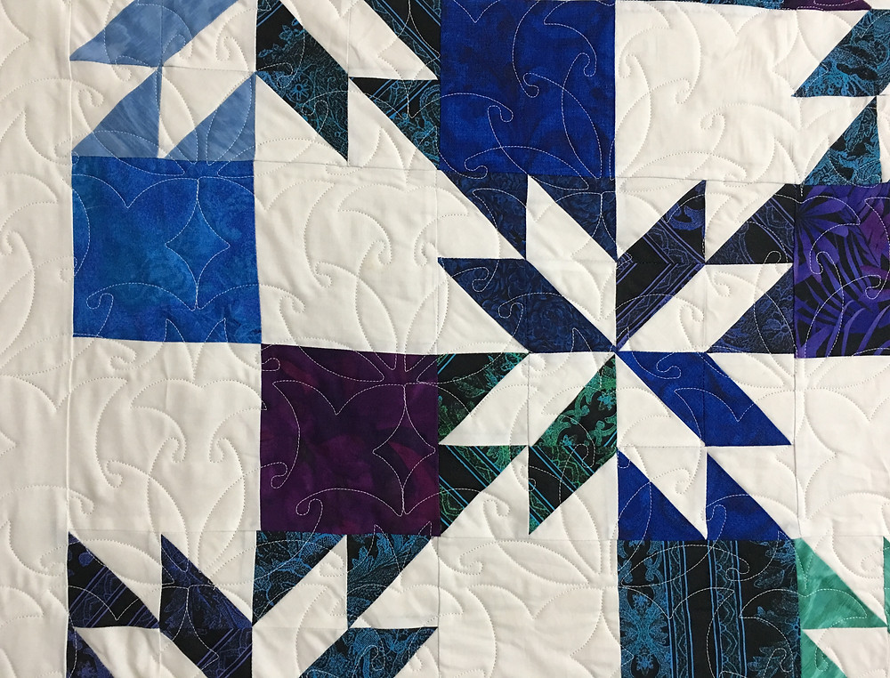 Swirls quilting pattern on MSQ Hunters Star Quilt by Jocelyn Robinson