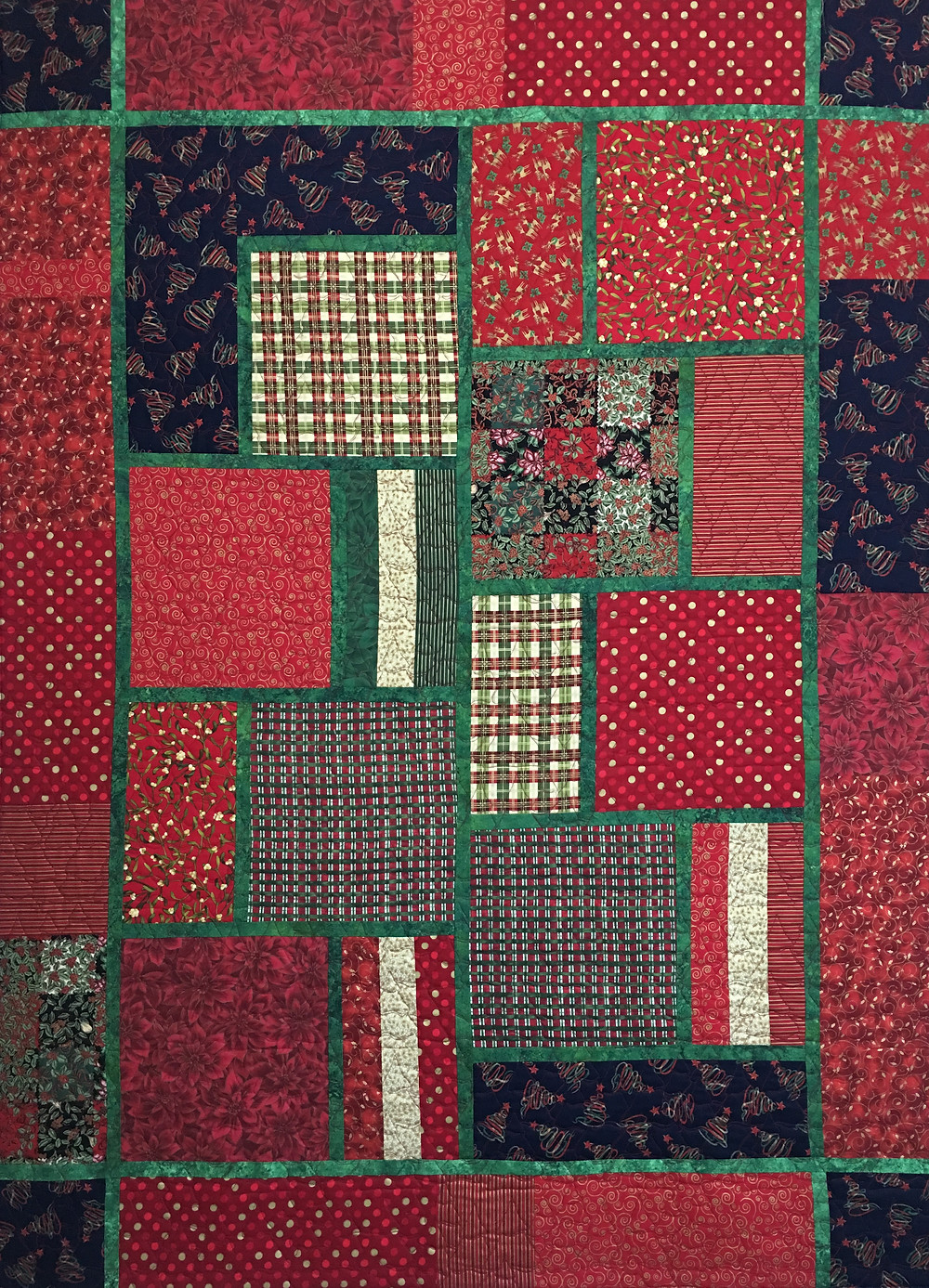 Christmas Red and Green Quilt by Laura Wetzel