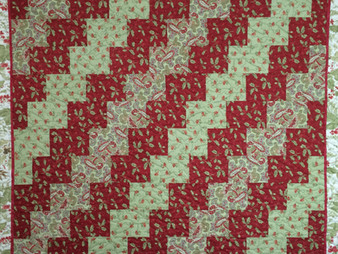 Nancy Thornton Christmas in Soft Red and Green Quilt