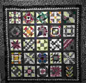 Community Project Quilt by Debbie Seitz