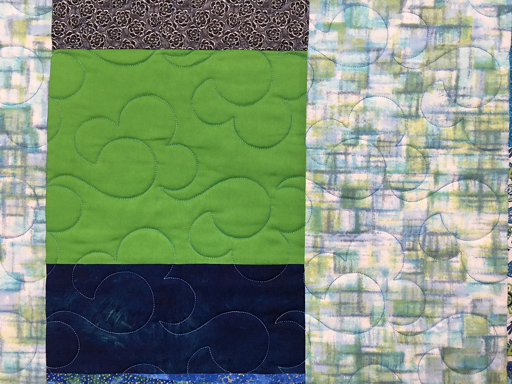 Quilting design on Lynne's Five and Dime Quilt
