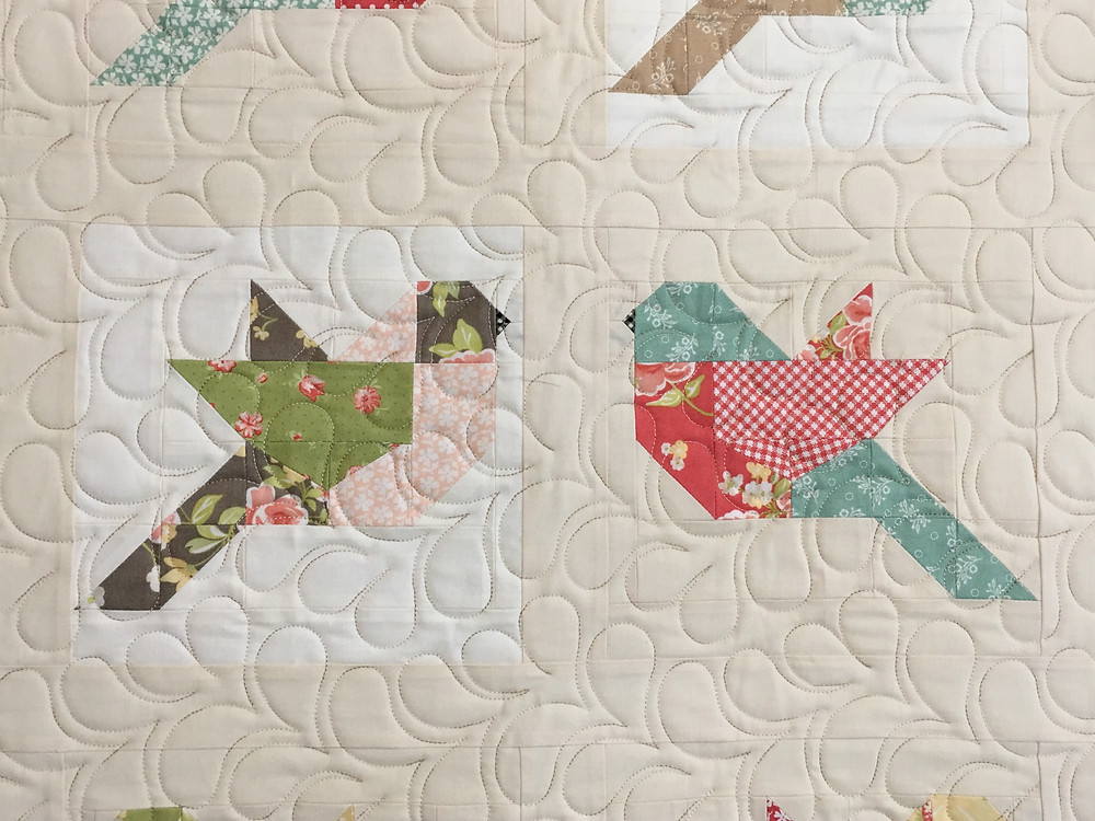 Feather quilting pattern on Birds Quilt by Deb Taylor