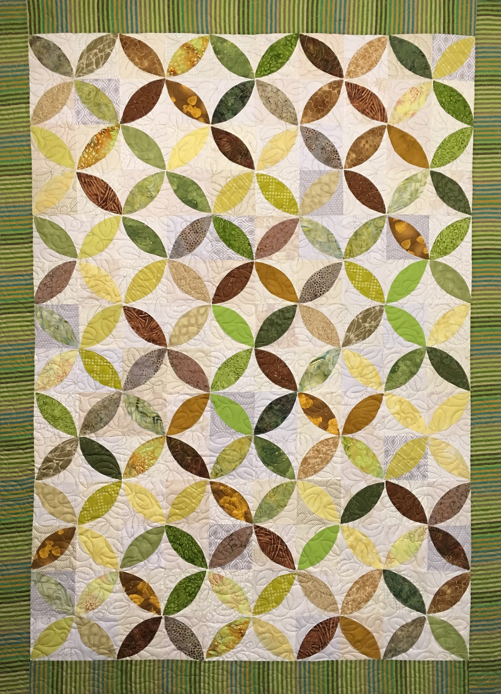 Sue Petals in Yellow Quilts