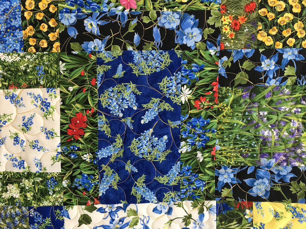 Flower quilting pattern on Texas Wildflowers Quilt by Chris Olsen