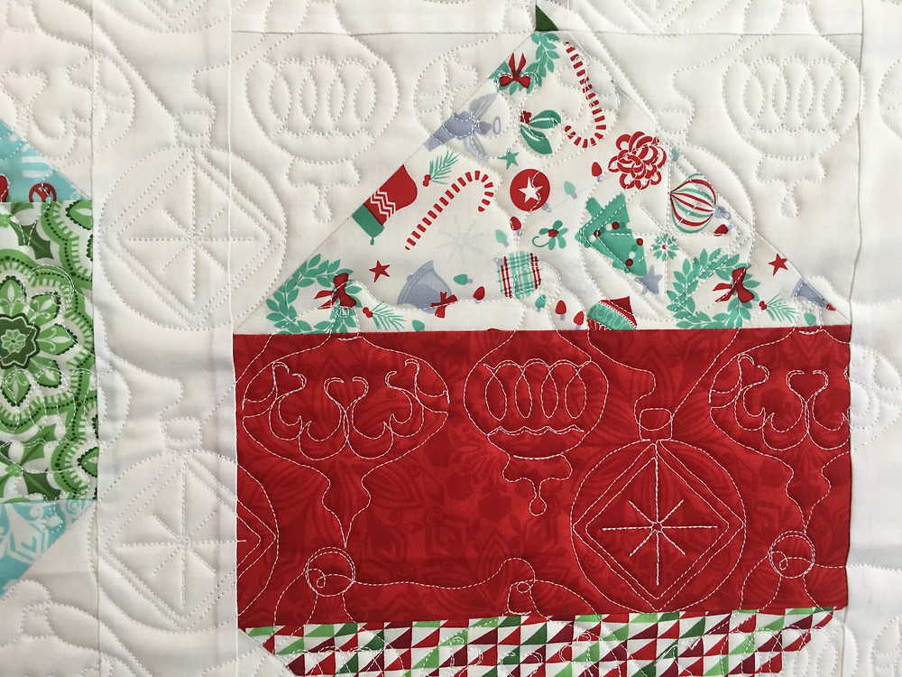 Christmas Ornament Quilting Pattern on Christmas Ornament Quilt by Delfina Guerra