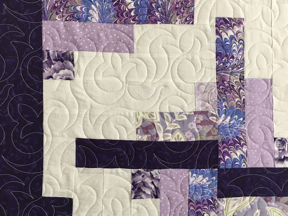 Curves Quilting Pattern on Whirly Gig Quilt by Cynthia Lance