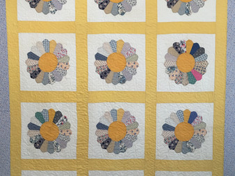 Andi Hays Dresden Plate Quilt