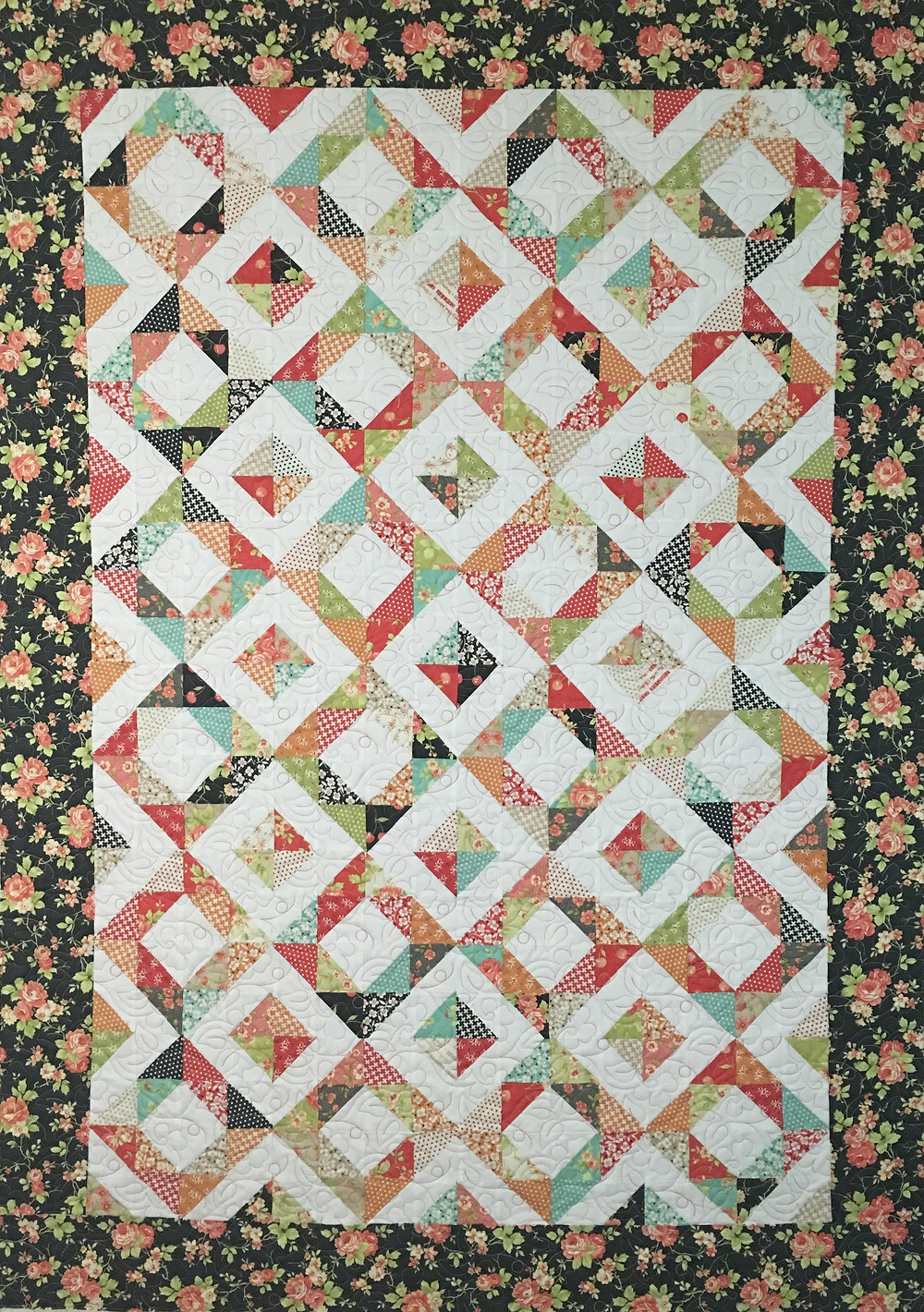 Cindy Diamond Quilt with floral border