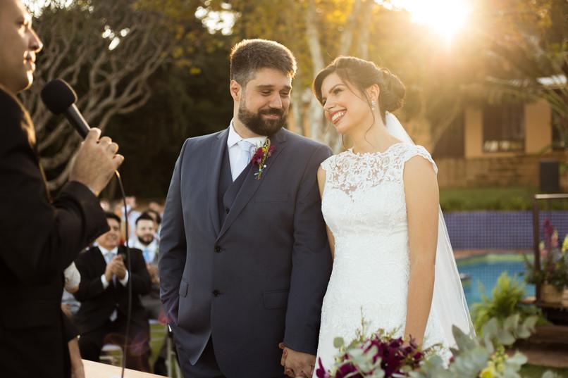 Casal Carol e Rafa - Casamento no campo