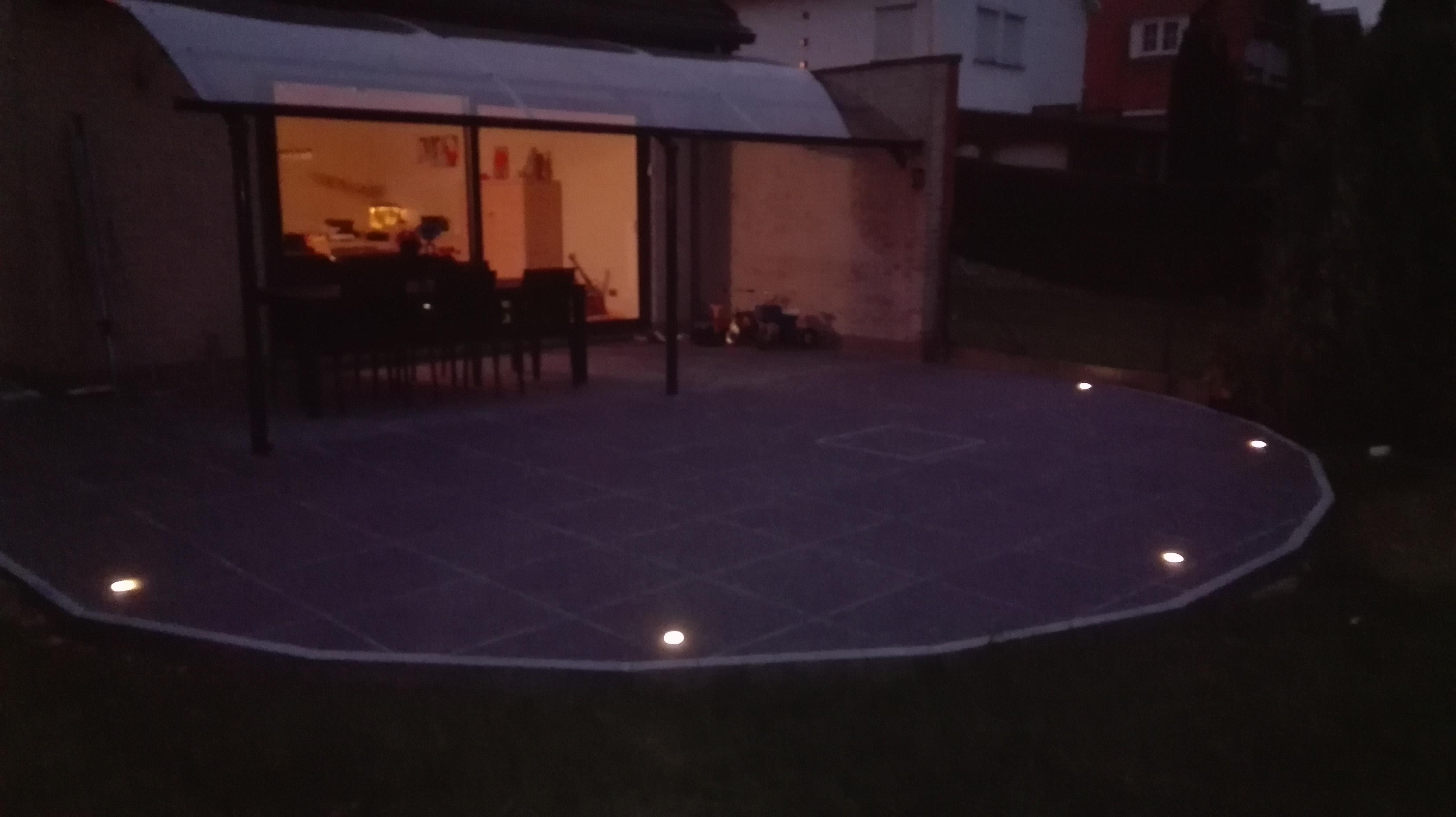 Terras met verlichting