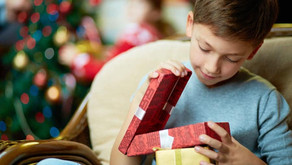 Before you give your kids a new phone for the holidays...