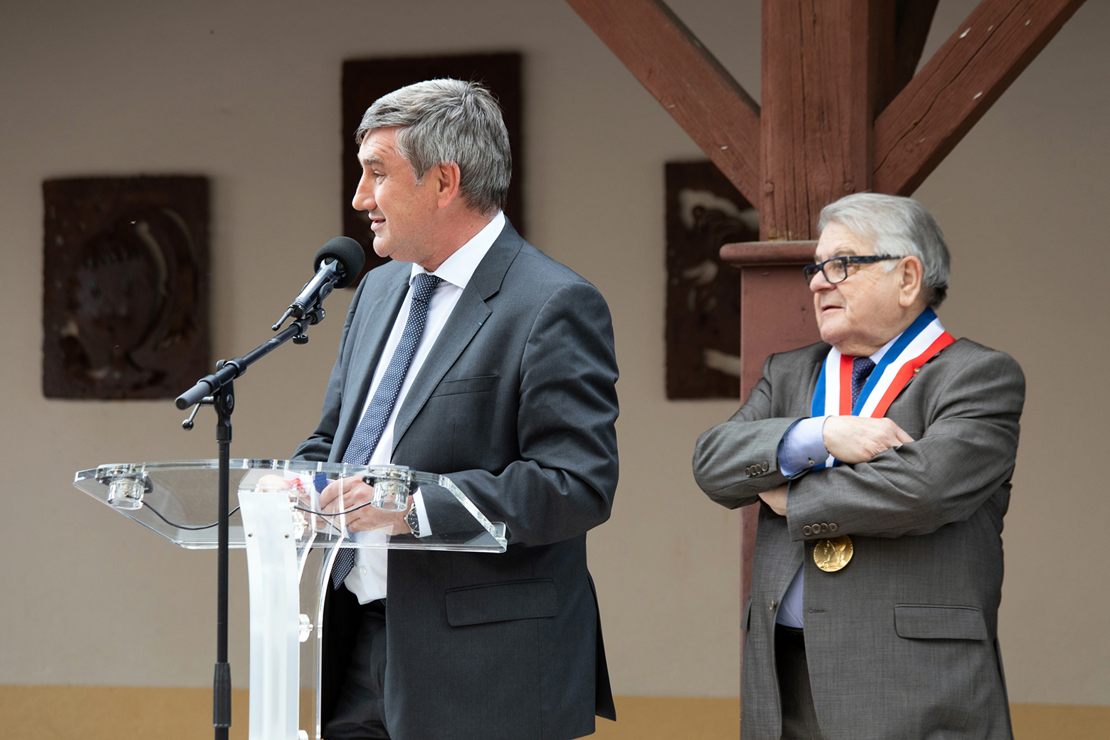 Inauguration de l'école Lachassagne
