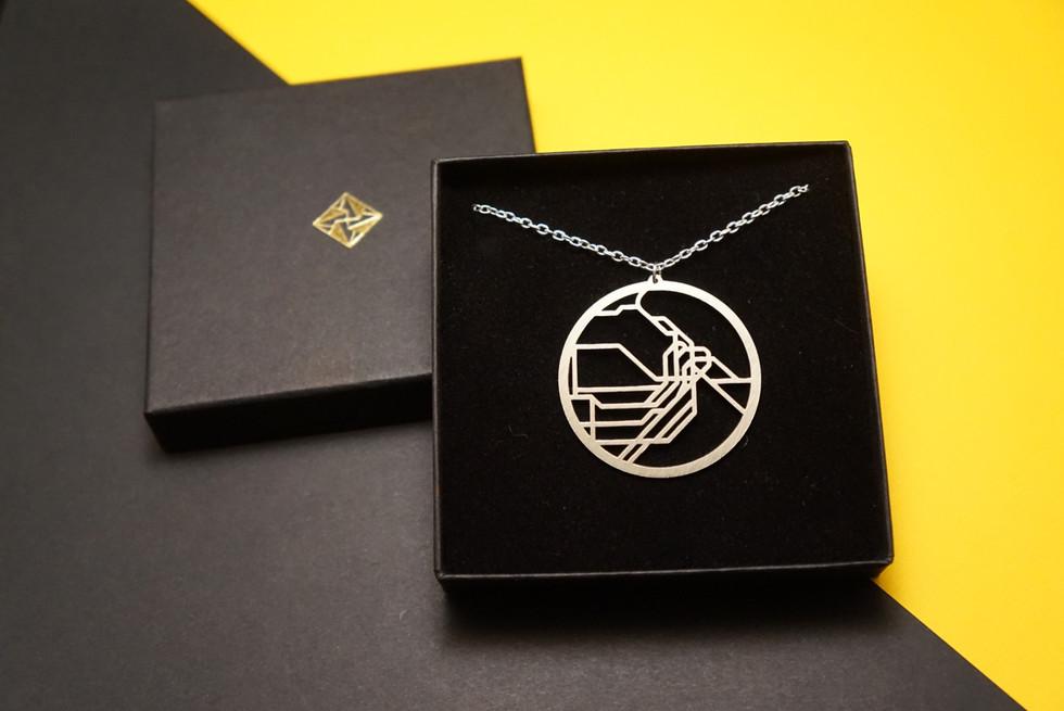 Sydney-necklace-box.JPG