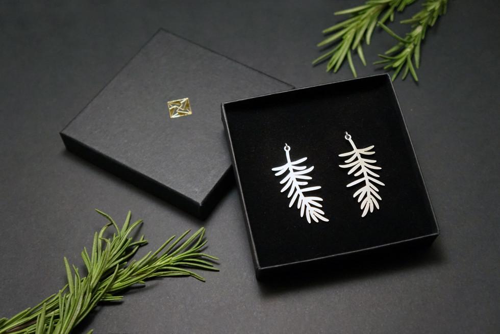 Rosemary-earring-box.JPG