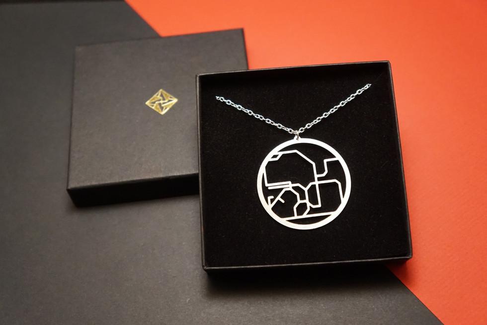 Hong Kong-necklace-box.JPG