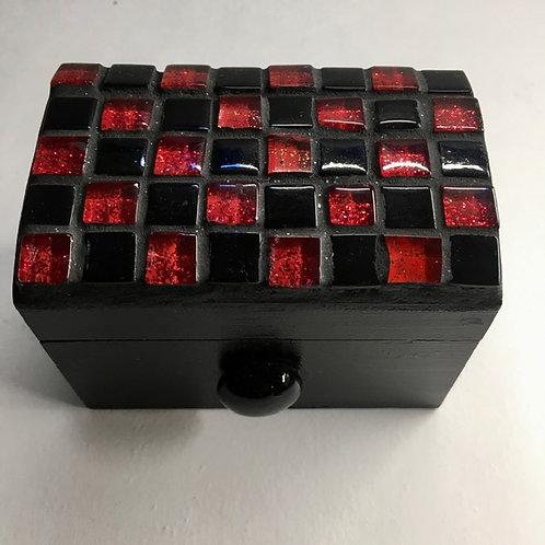 Petit coffret à bijoux rouge et noir