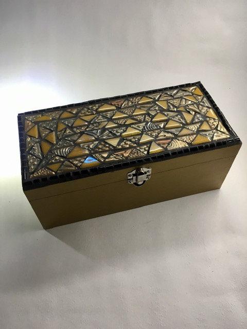 Grande boite dorée