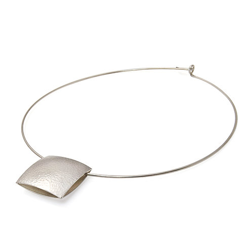 Pillow Collar Necklace
