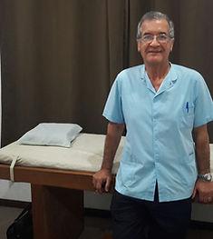Hotel Days Inn doctor alberto garcia villanueva experto en dermatologia alergias asma dermatitis atendiendo pacientes