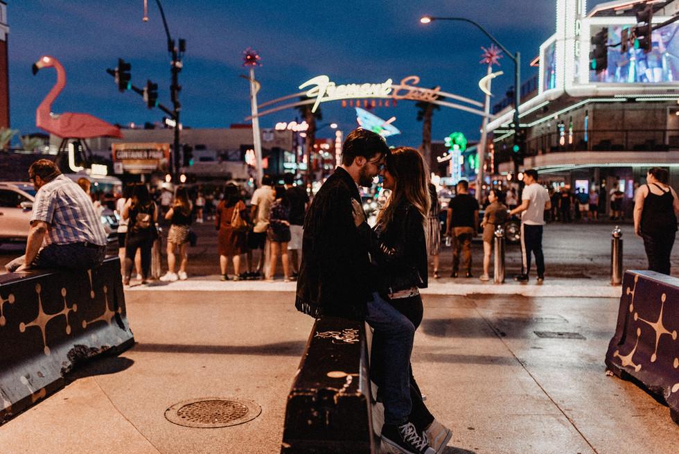 Las Vegas_Coupleshoot_Fremontstreet_Hoch