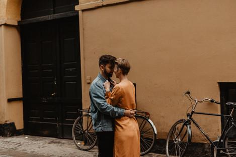 Copenhagen_Coupleshooting_Armedwithmemor