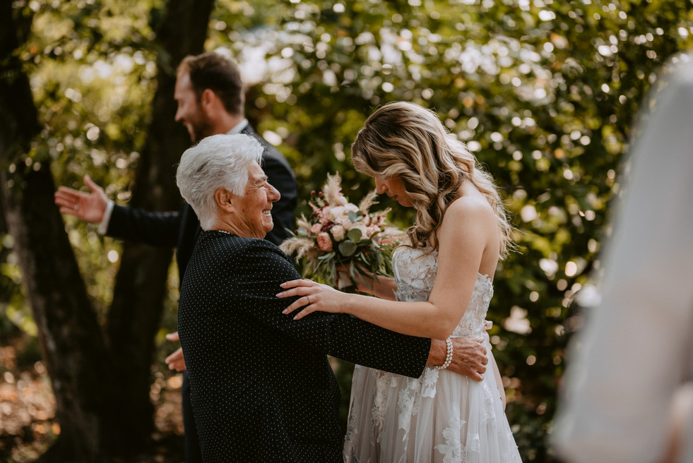 Hochzeitsreportage_liebevoll_in_der_auer