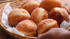 Homemade Bomboloni (Italian Donuts)