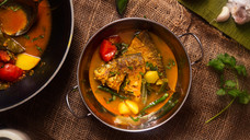 Fish Curry with Tomatoes & Green Beans