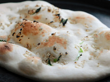 Easy Way To Make Garlic Naan At Home