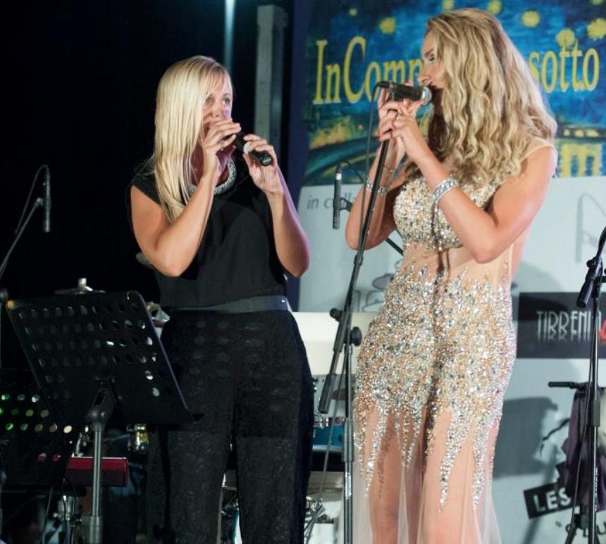 Silva duetta con Valeria