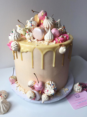 White Choc & Vanilla Cake