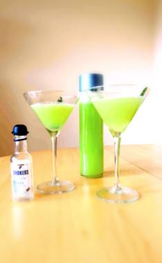 Cocktail O'Clock: Boozy Cucumber Lemonade