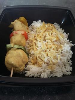 Brochette de poulet au curry