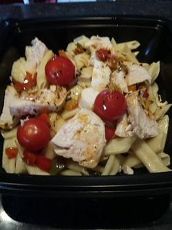 Poulet au thym, tomates et poivrons, penne