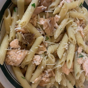 Garlic Salmon Pasta