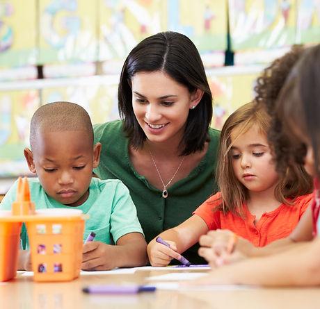 Prescolare Insegnante ed allievi