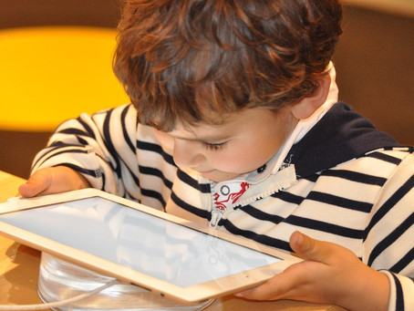Here's how much screen time your kids should be getting, according to new recommendations