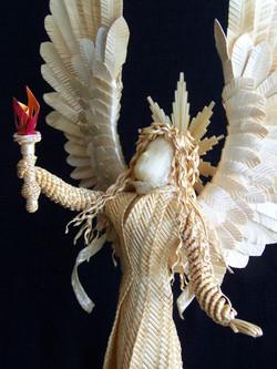 Detail Luminary Angel