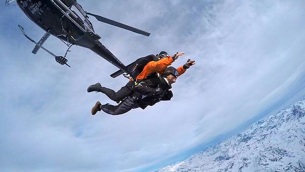 Saut en parachute tandem à Verbier