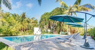 Hotel Horizontes pool.jpg