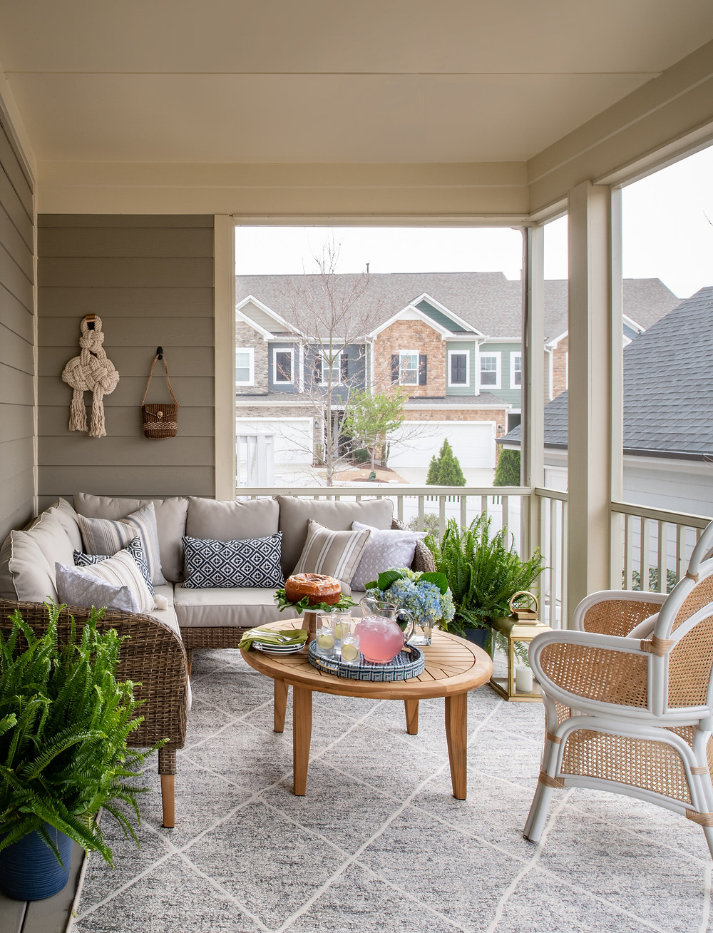 Mid-mod Coastal Casa: Home Tour, Entryway and Screened-in Porch Mary Hannah Interiors Studio Blog