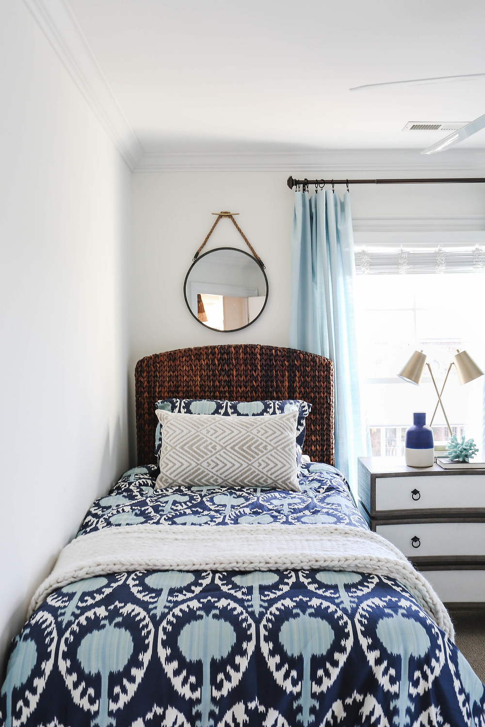 Mid+Century+Bohemian+Beach+House+Transformation+--+Bedroom+Edition+--+Mary+Hannah+Interiors