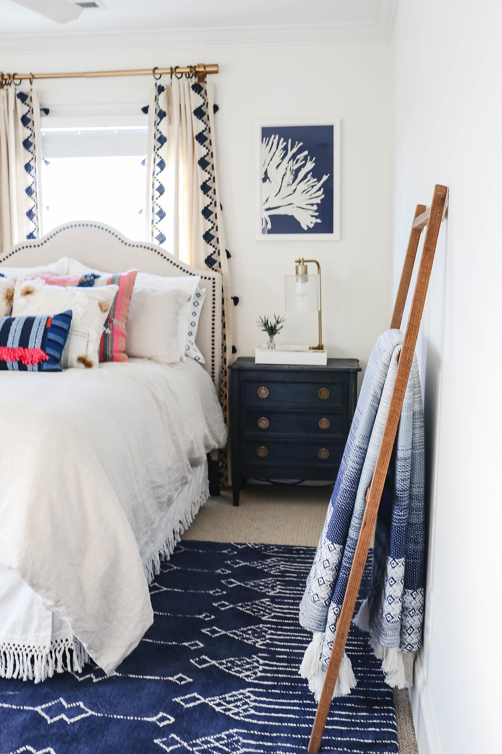 The+Friday+5+--+Mary+Hannah+Interiors+--+Navy+Bedroom