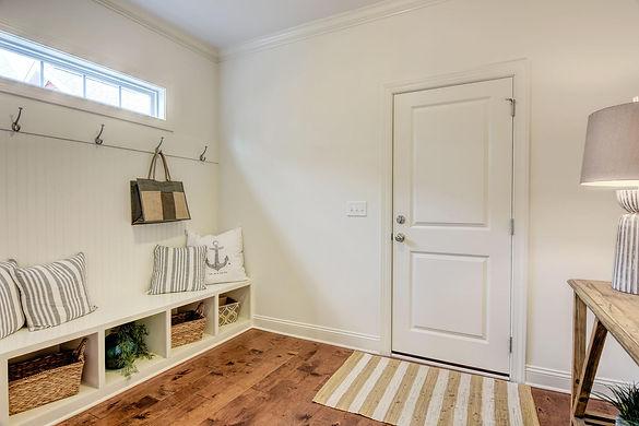 Mary+Hannah+Interiors+--+Portfolio+by+Room--+Laundry+Mudroom