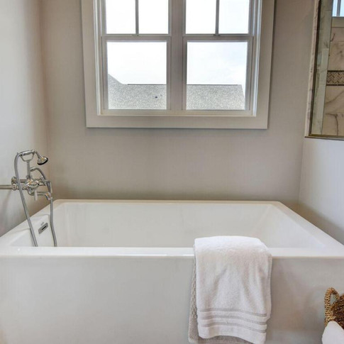Mary+Hannah+Interiors+Portfolio+--+Brunswick+Forest+--+Portfolio+by+Room+--+Master+Bathroom+--+Freestanding+Tub