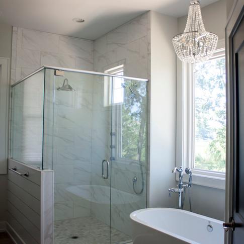 Creekfront+Hampstead+Haven+--+Mary+Hannah+Interiors+--+Futch+Creek+--+--+Farmhouse+--+Scandinavian+--+Bathroom+Designer