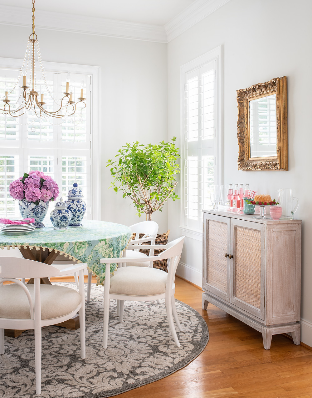Elegant Retrohemian Chateau: Home Tour, Breakfast Nook and Kitchen Mary Hannah Interiors