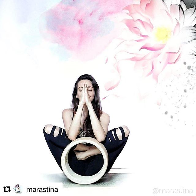 Thank you for the great yogachallenge #funkyfoldandfly _marastina in 🙏🏻#sangrowheel #yogahjul #yog