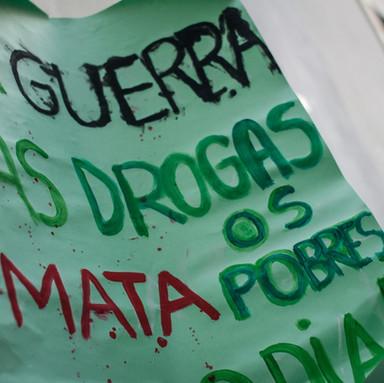 PROIBICIONISTAS vs. ANTIPROIBICIONISTAS - NOTAS ACERCA DO DEBATE PÚBLICO SOBRE DROGAS NO BRASIL